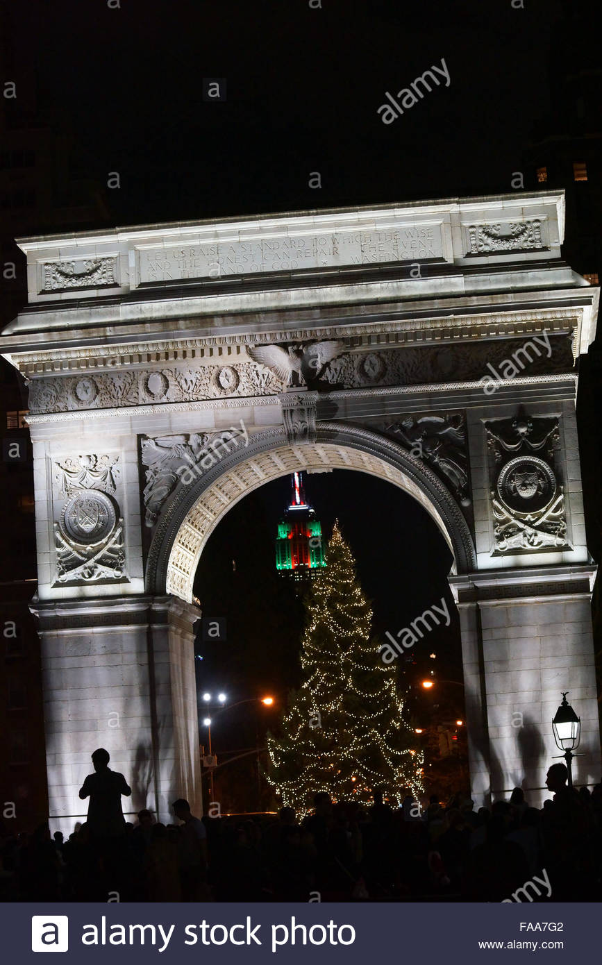 Christmas Eve In Washington.Christmas Decorations In Empire State Stock Photos Christmas