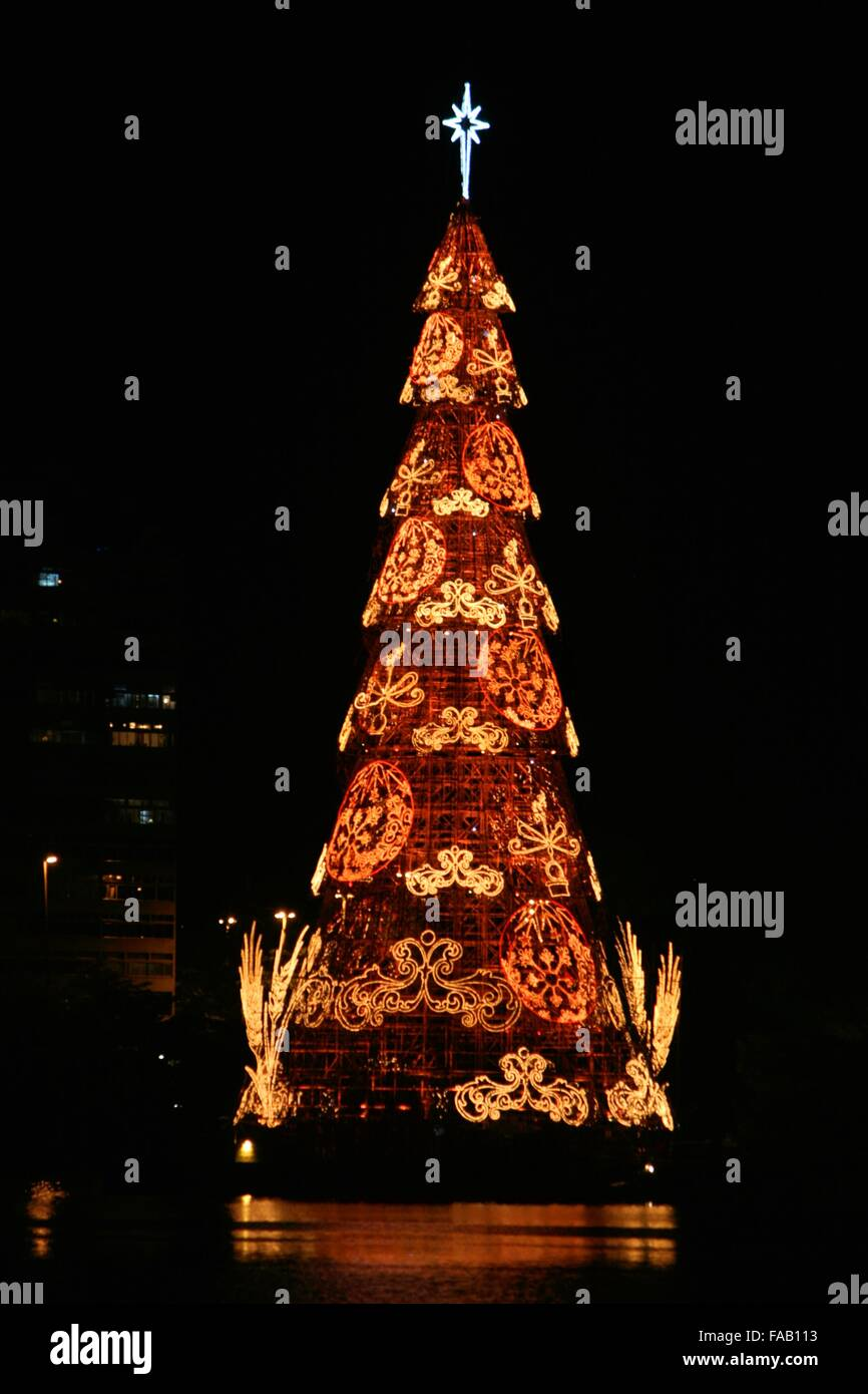 rio de janeiro brazil 24th december 2015 rio de janeiros traditional floating christmas tree on christmas eve gusty winds broke it days before its - Brazil Christmas Traditions