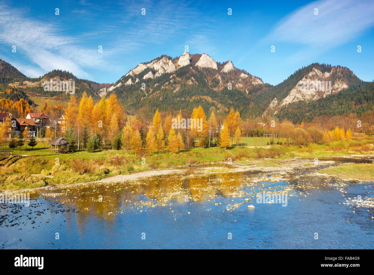 Pieniny Mountains - Dunajec River and Trzy Korony Peak, Poland - Stock Image