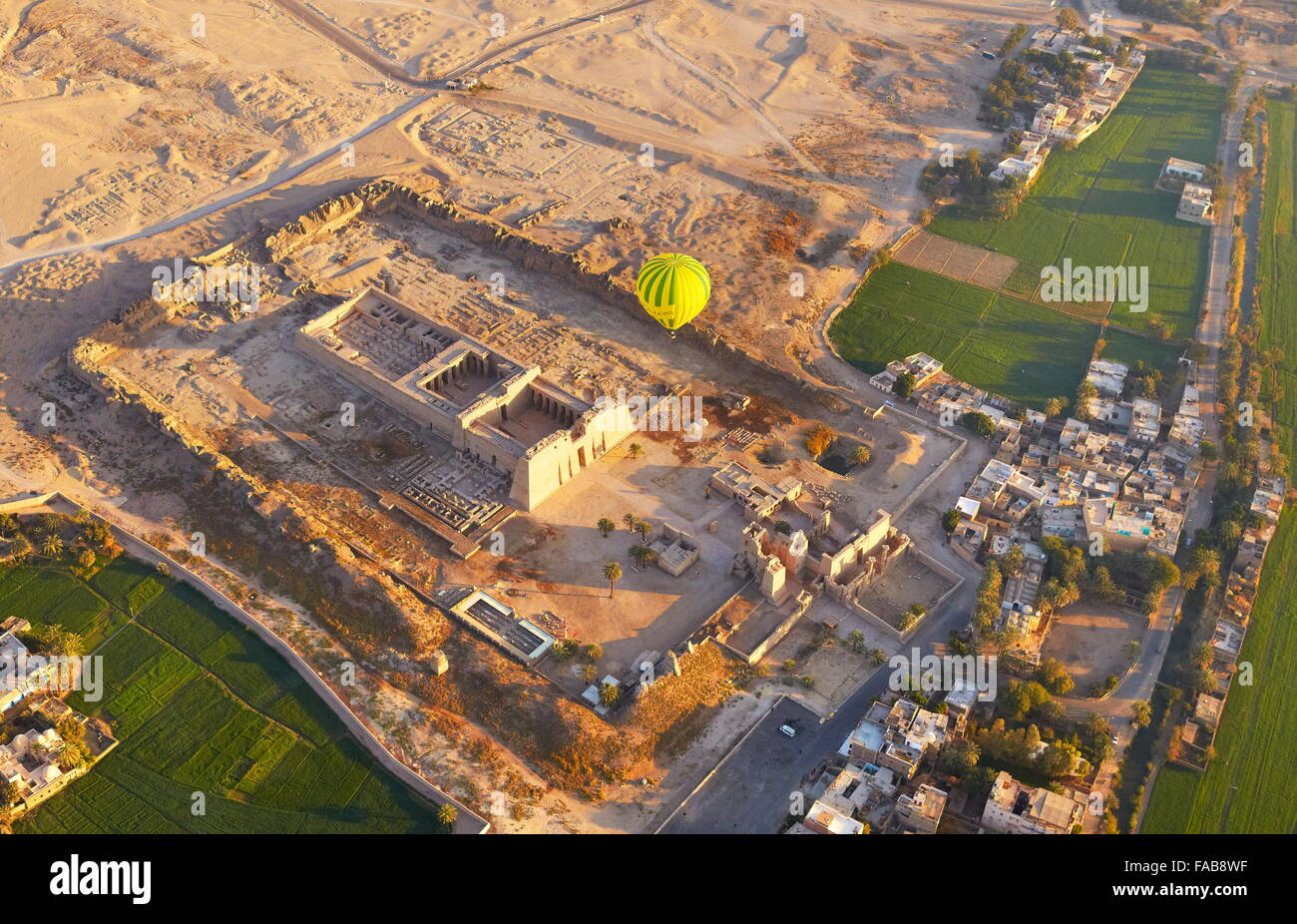 Egypt - balloon flights over the Medinet Habu, Temple of Ramses III, the west bank of the Nile, UNESCO - Stock Image