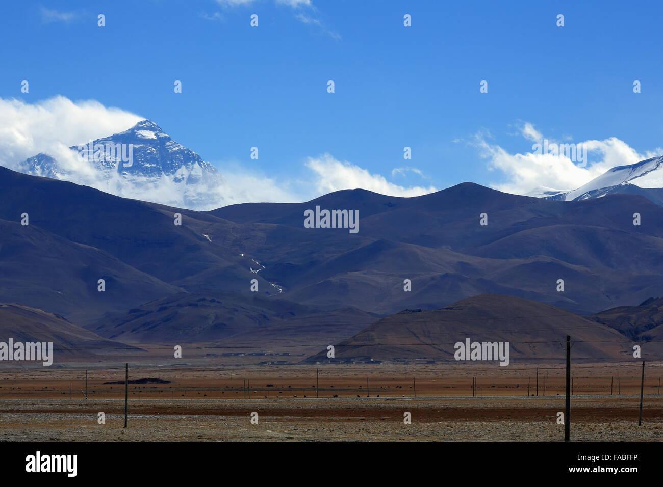 Mount Chomolungma-Qomolangma-Sagarmatha-Holy Mother-Everest north face. From the tibetan plateau Tingri-Lawn Mountain - Stock Image