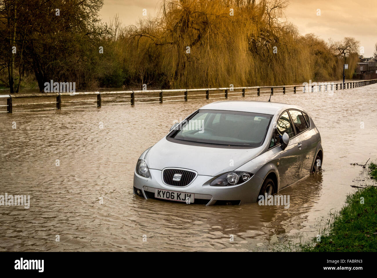 York, UK. 26th December, 2015. UK weather. Heavy rain in the North of England causes flooding in York on Boxing Stock Photo