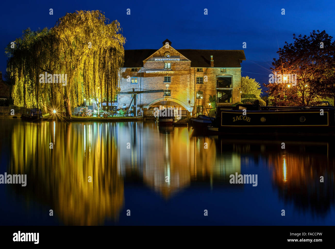 Blue hour long exposure of the Clock Warehouse pub, Shardlow, Derby. England. - Stock Image
