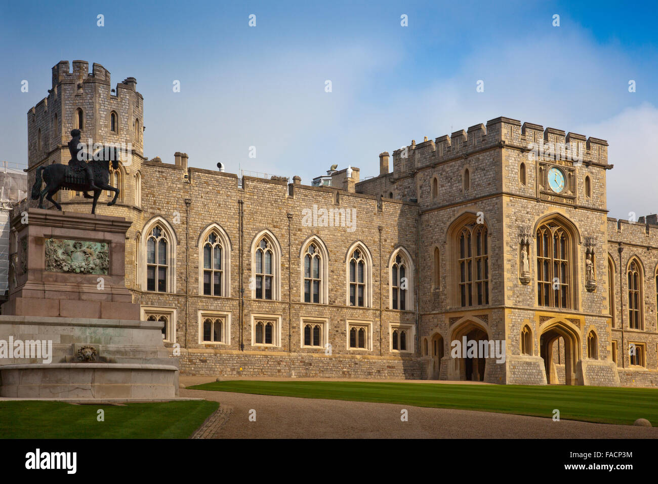 The State Apartments and King Charles II statue at Windsor Castle, Berkshire, England, UK - Stock Image