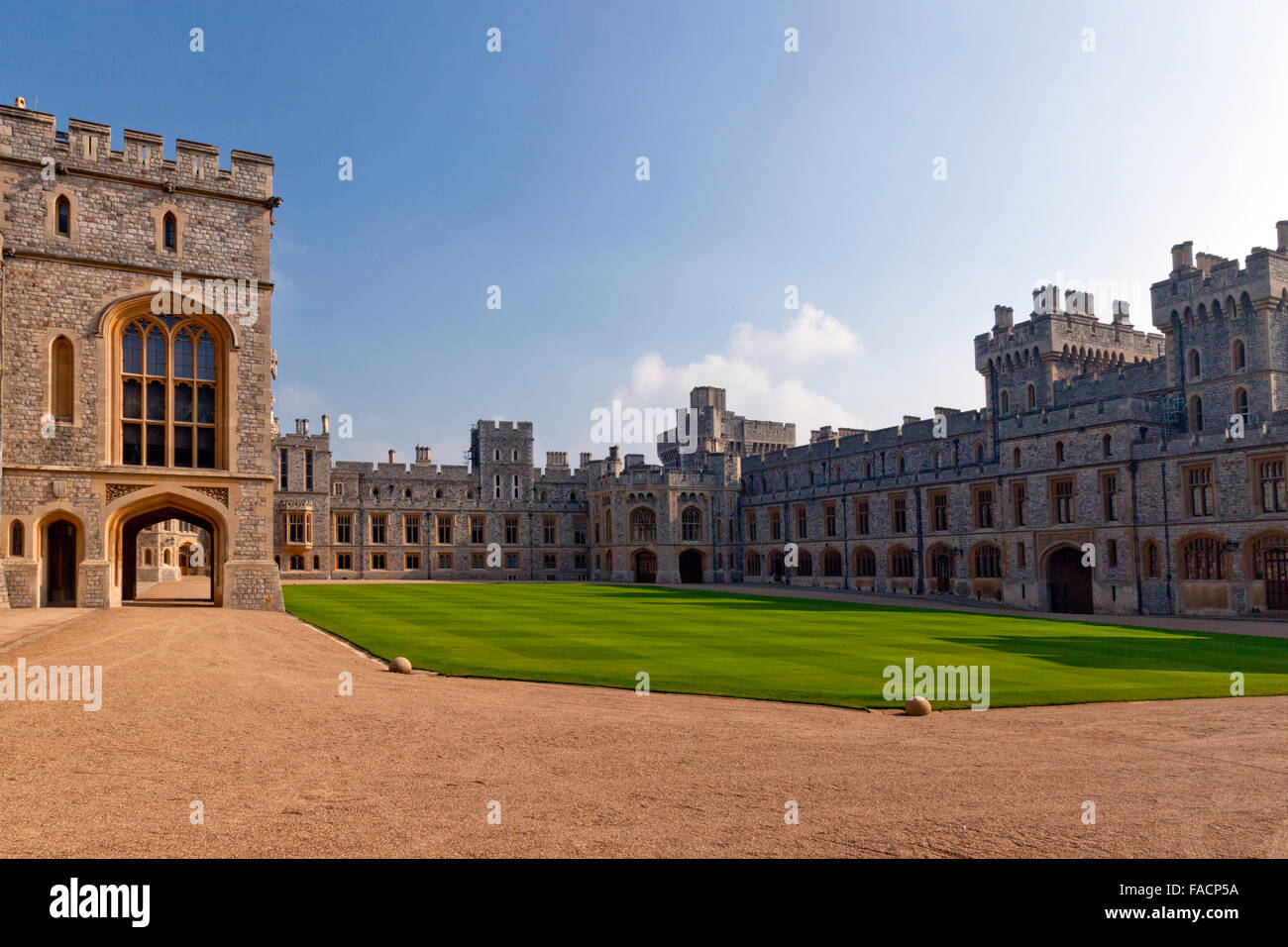 The Visitor's (right) and Private Apartments (centre)  at Windsor Castle, Berkshire, England, UK - Stock Image
