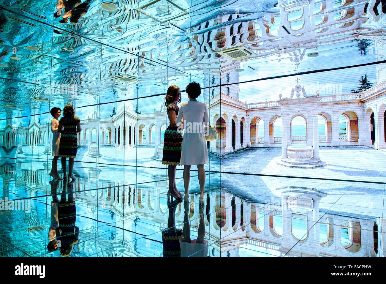 US First Lady Michelle Obama tours the Mirror Room in the Italian Pavilion at the World Expo with Agnese Landini, - Stock Image
