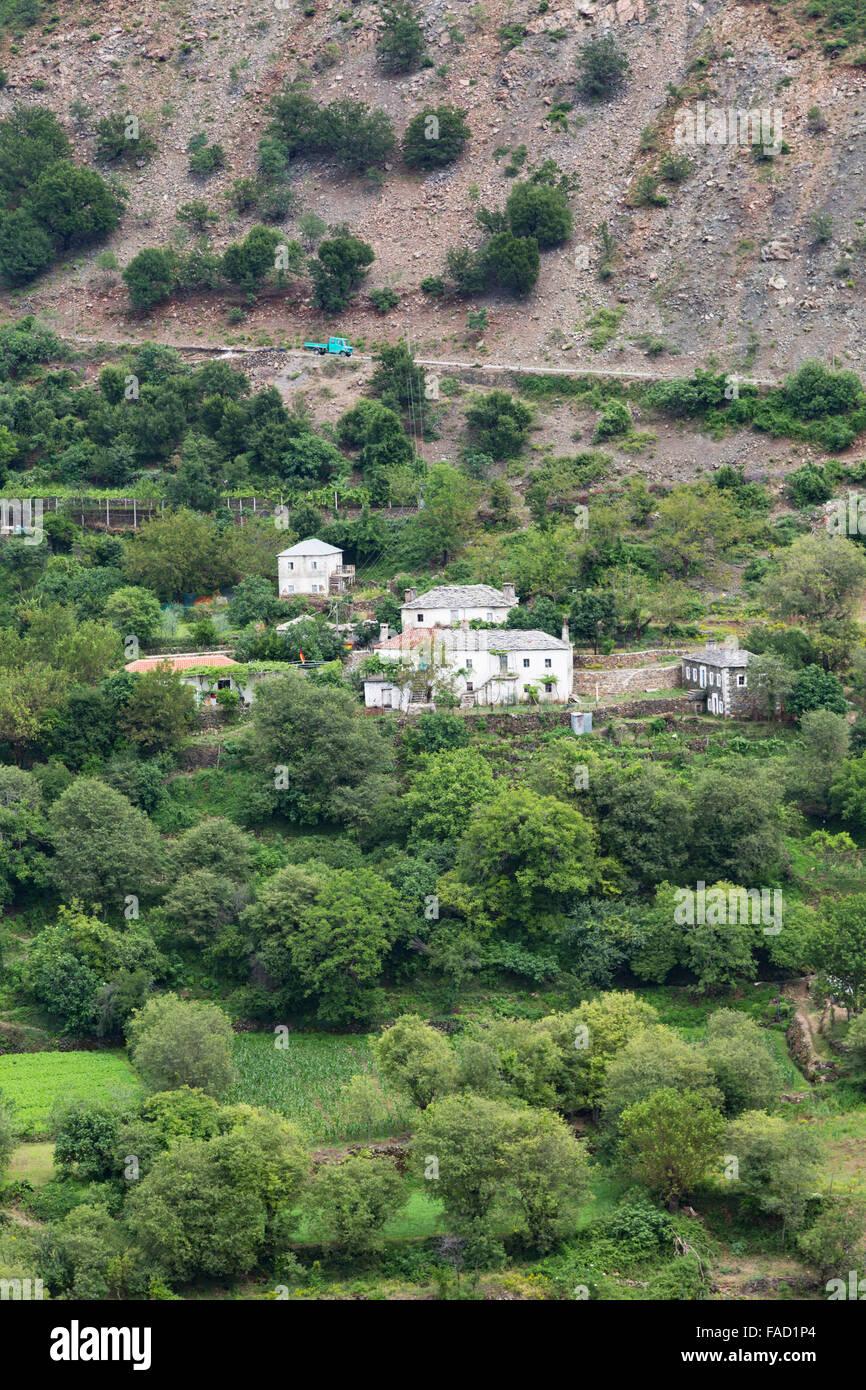 Albania.  Isolated farmhouses on the SH 25 road between Vau i Dejes and Koman. - Stock Image