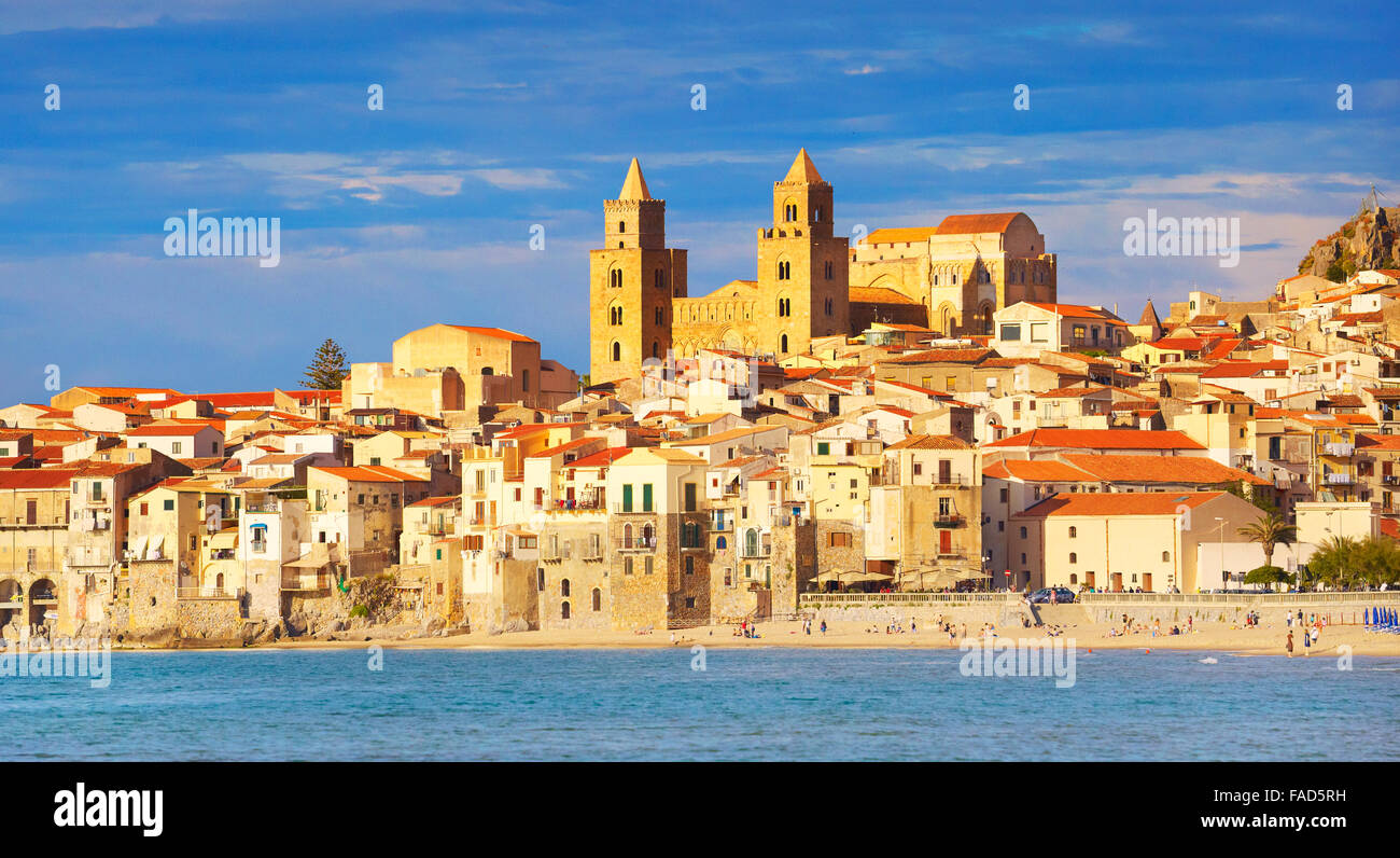 Sicily Island - Cefalu old town and cathedral, Sicily, Italy - Stock Image