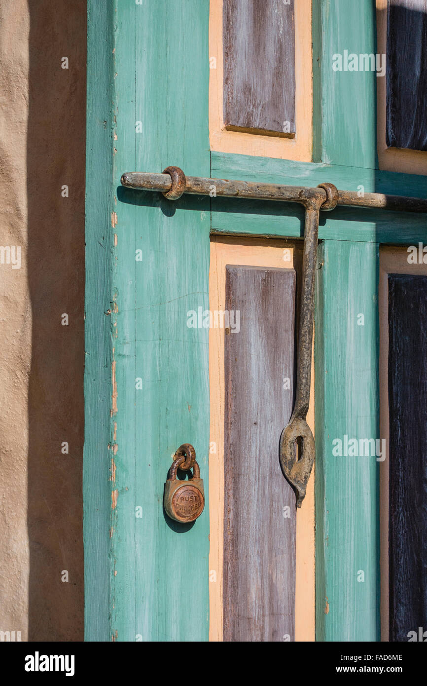 Exterior detail of a wrought iron latching mechanism on a decorative wooden door at Our Lady & Door Latch Mechanism Stock Photos \u0026 Door Latch Mechanism Stock ...