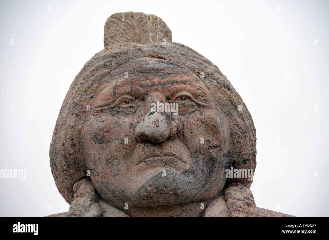 South Dakota, USA. 8th Apr, 2015. A statue at the grave of Sioux chief Sitting Bull in South Dakota, USA, 8 April Stock Photo