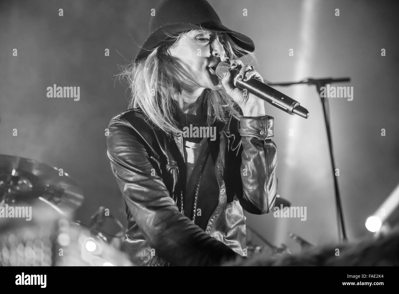 Detroit, Michigan, USA. 18th Dec, 2015. EMILY HAINES of METRIC performing on The Night 89X Stole Xmas Show at The - Stock Image