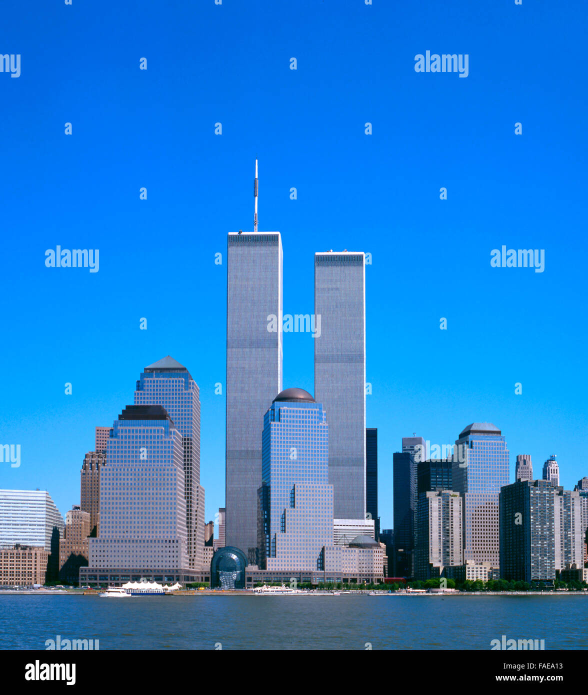 The NYC skyline with the World Trade Center seen from NJ - Stock Image
