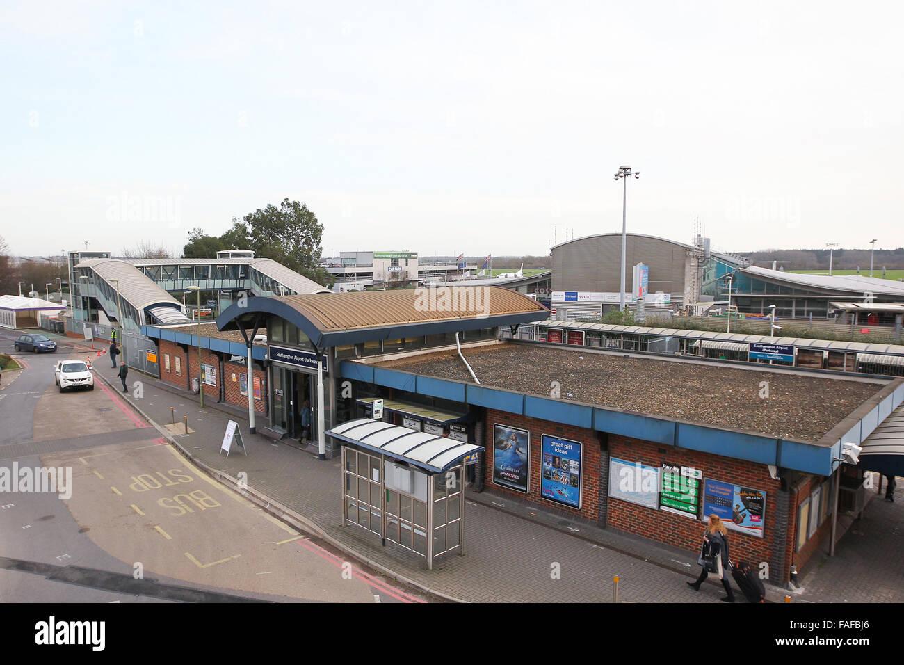 Southampton Airport Parkway railway station next to Southampton Airport Stock Photo