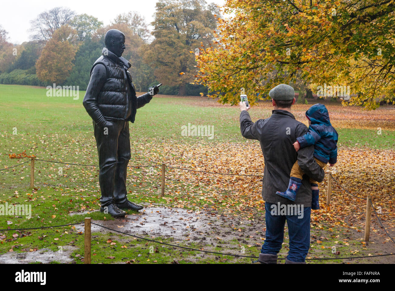 Thomas Price's 'Network' being photographed by mobile phone at the Yorkshire Sculpture Park, Wakefield, - Stock Image