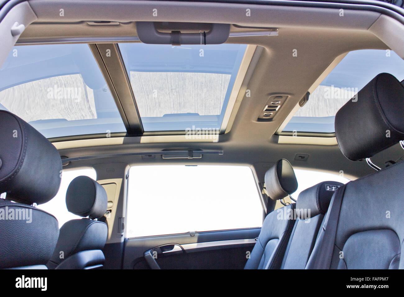 Hong Kong, China Jan 22, 2014 : Audi Q7 3 0T Quattro SUV