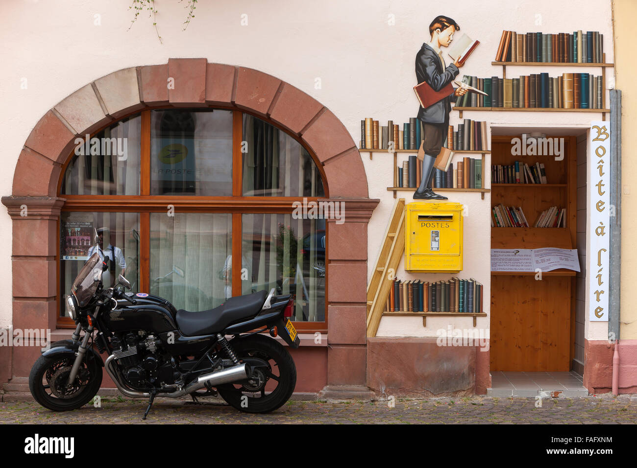 Painted Bookstore façade - Stock Image
