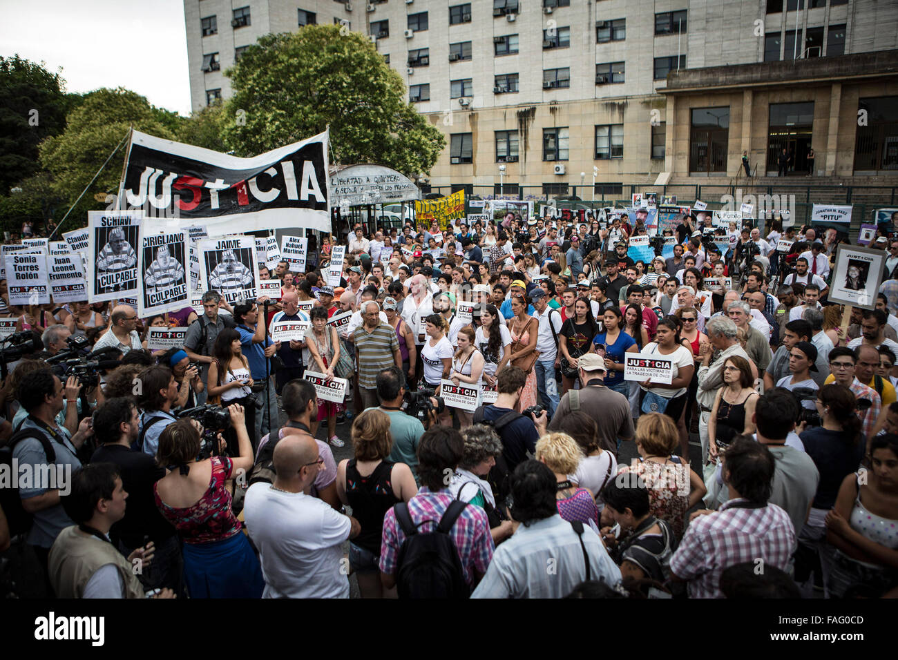 Buenos Aires, Argentina. 29th Dec, 2015. Relatives of victims of a railway accident which occurred on Feb. 22, 2012 - Stock Image