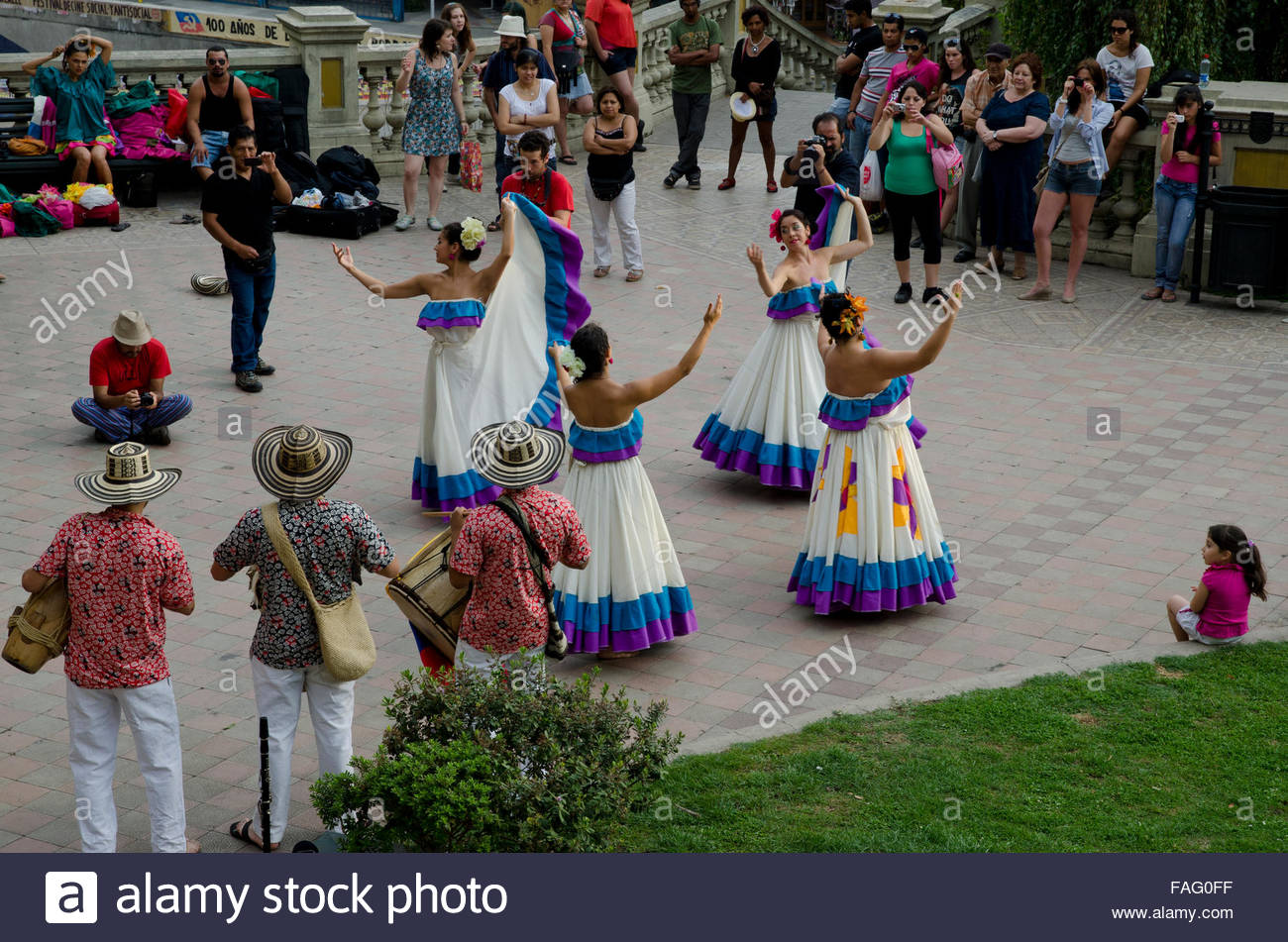 Dating chileans dancing