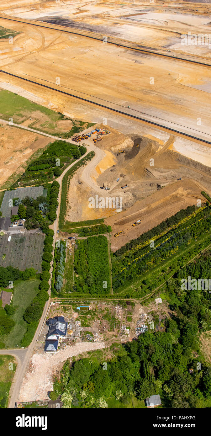 Aerial view, community Borschemich is canceled and must the brown coal mining Garzweiler give way, energy transition, - Stock Image