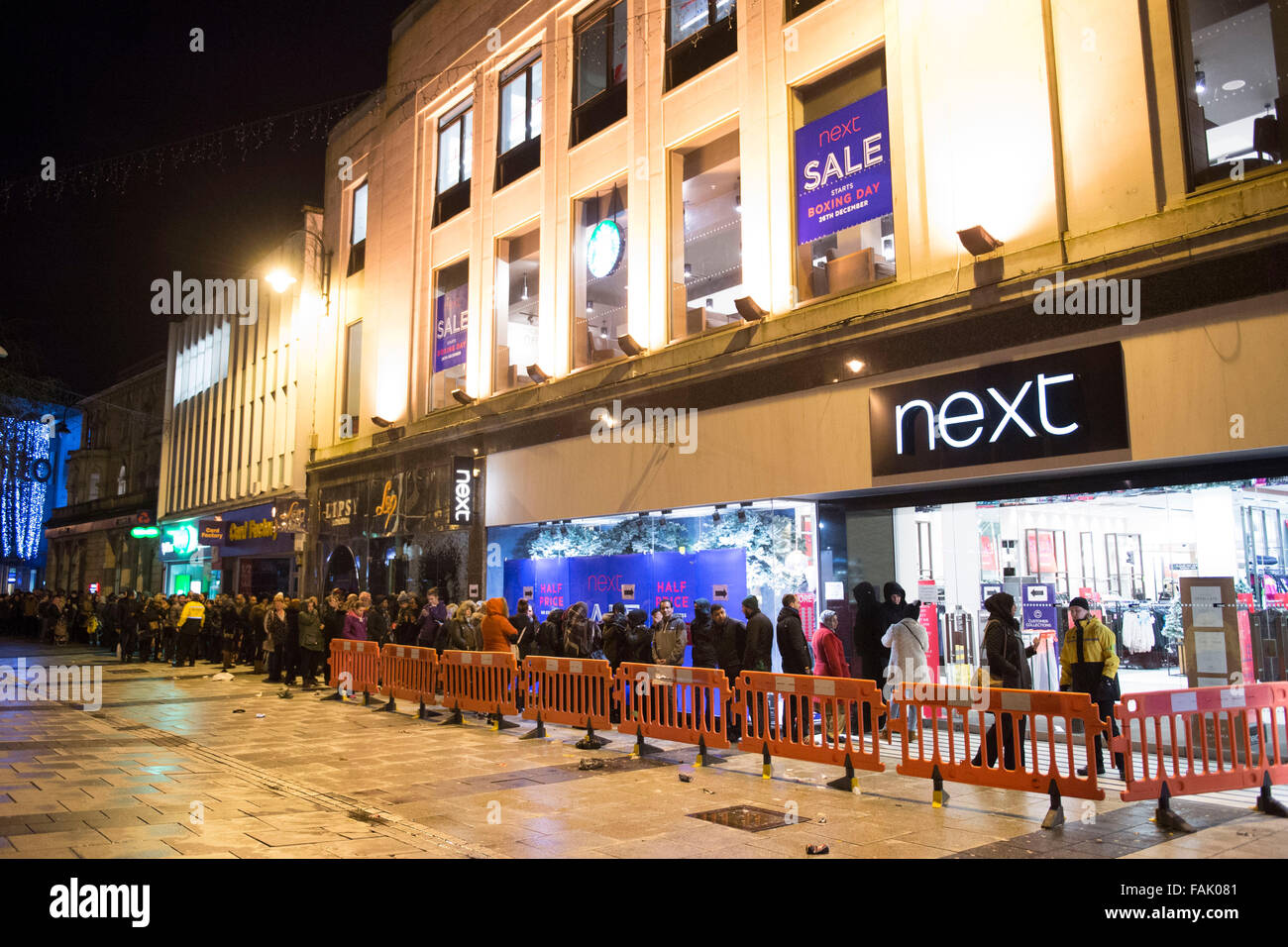 9b6072ef0f3b8 Shoppers queue from 2am for the Next Boxing Day Christmas sales in Cardiff