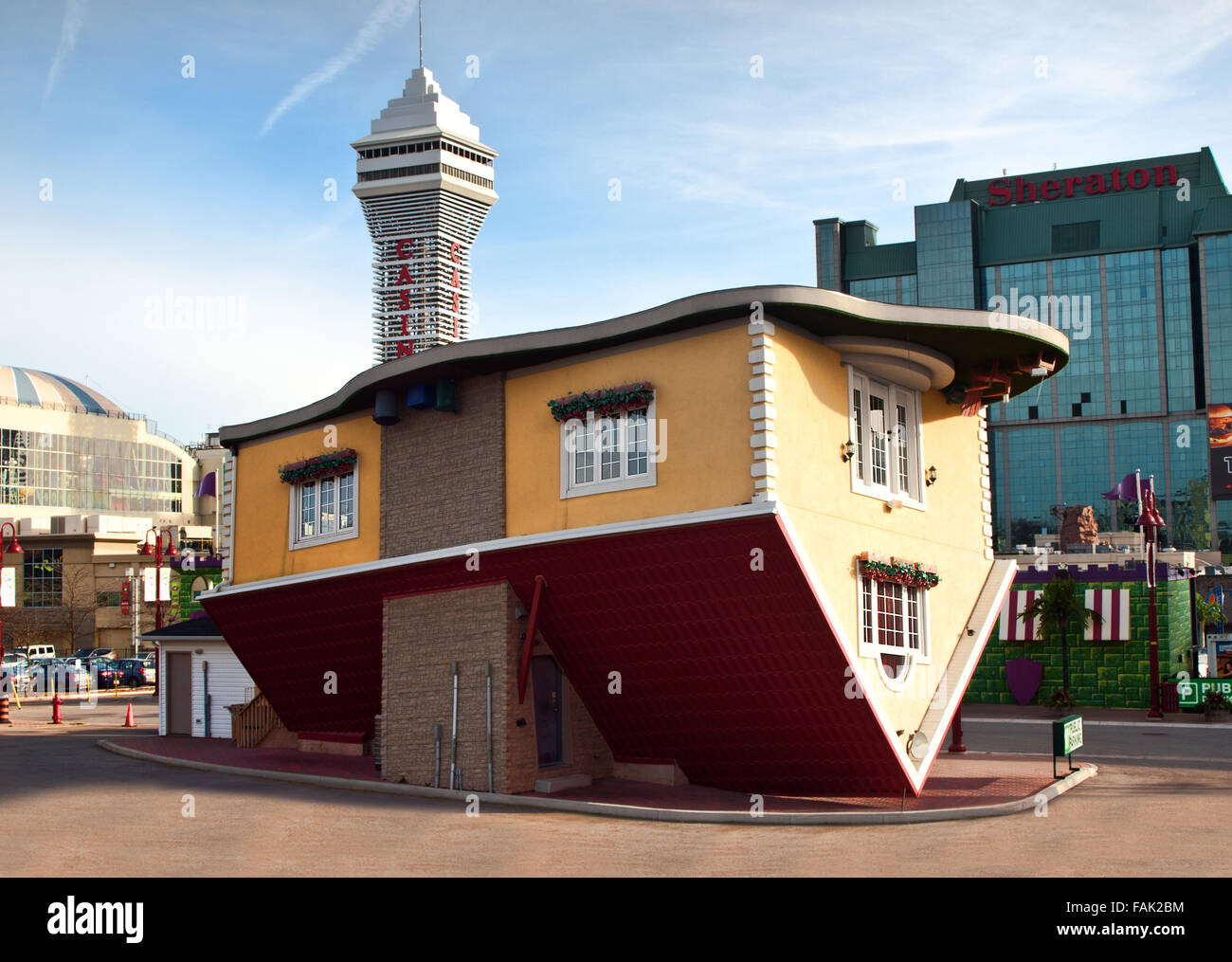 The upside down house in niagara falls city ontario for Upside down house plans