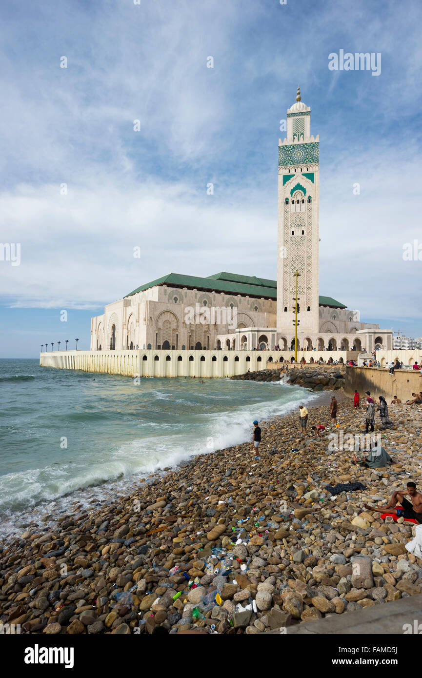 Hassan II Mosque and beach, Casablanca, Morocco - Stock Image