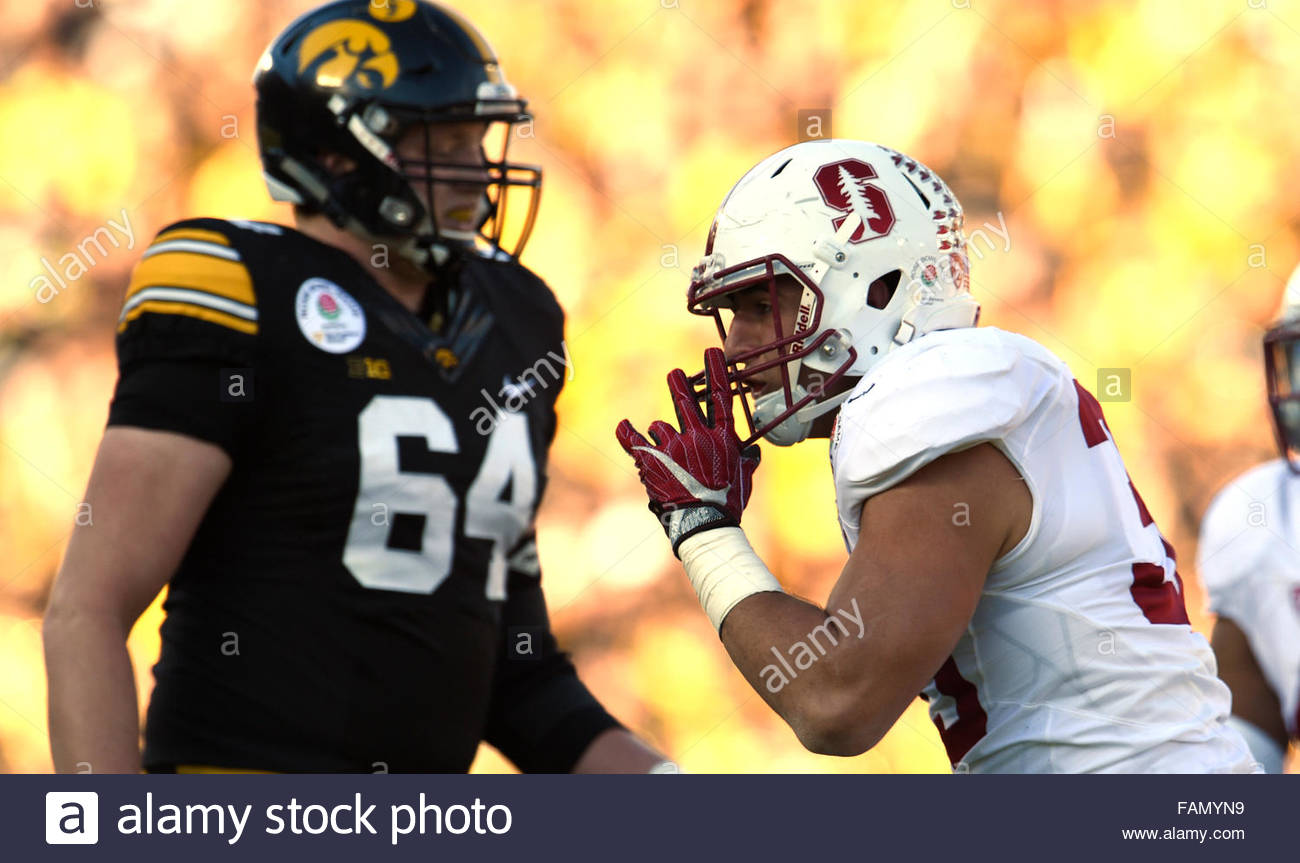 Pasadena, California, USA. 01st Jan, 2016. Stanford linebacker Mike Tyler (33) reacts toward the Iowa fans after - Stock Image