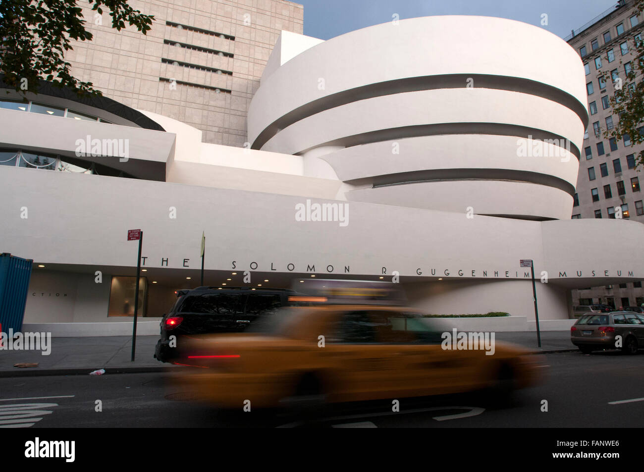 NEW YORK Solomon R. Guggenheim Museum. 1071 Fifth Avenue and 89th Street. Tel 212-423-3500. (Sun-Wed 10am-5: 45pm - Stock Image