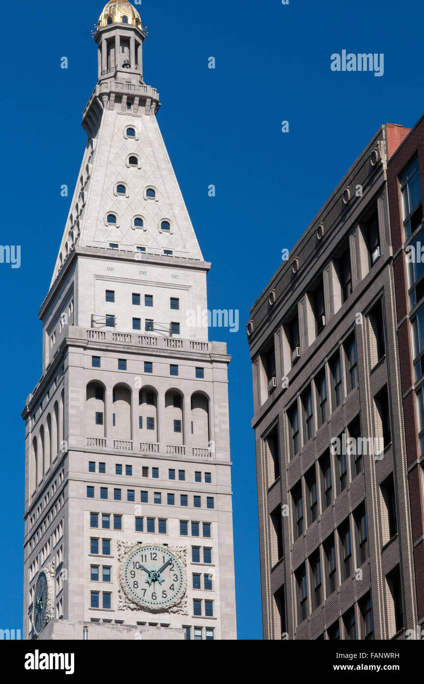 NEW YORK, Clock tower of the Metropolitan Life Insurance Company. 1 Madison Ave This edficio office of the same - Stock Image