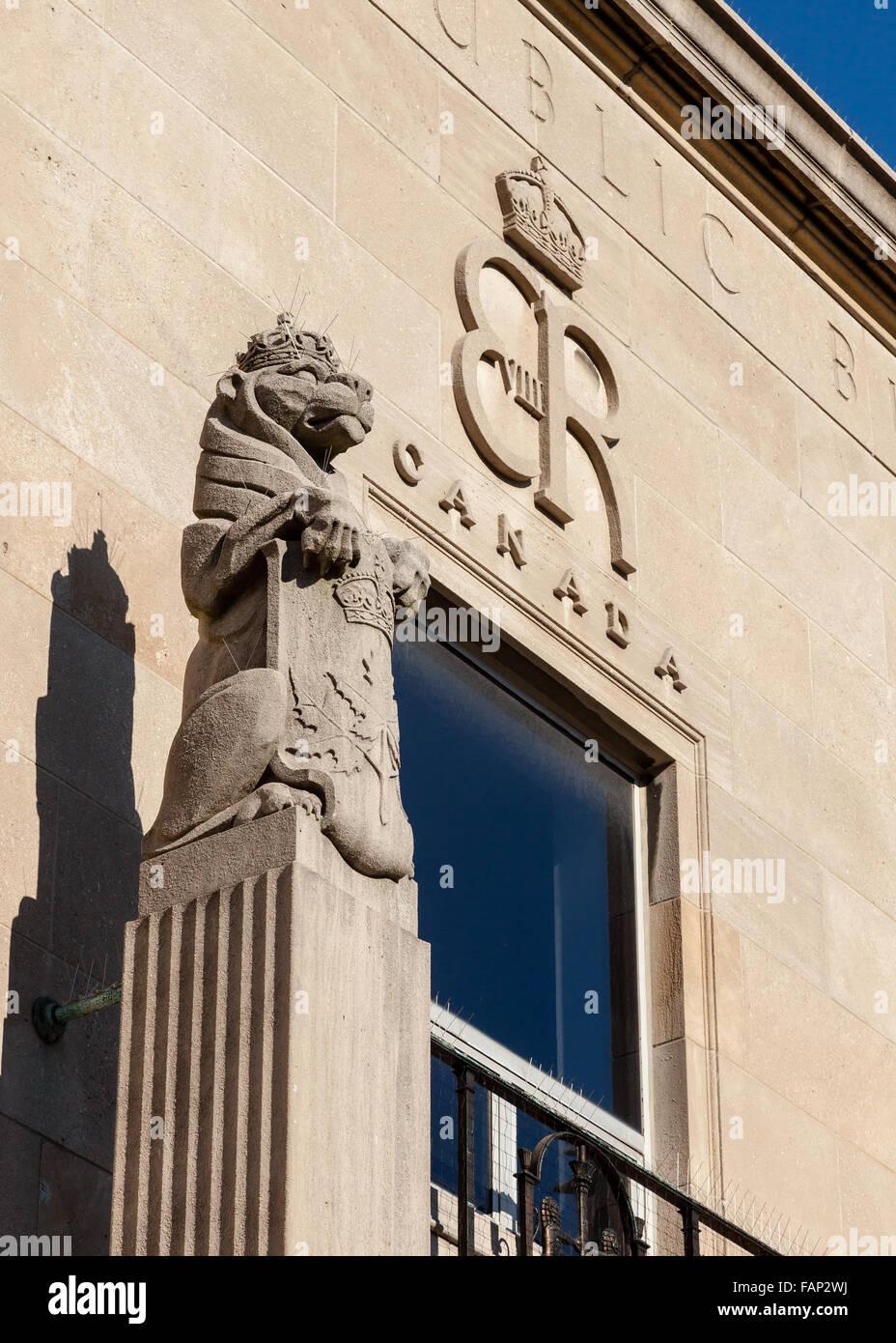 Art deco statues stock photos art deco statues stock for Art deco architectural details