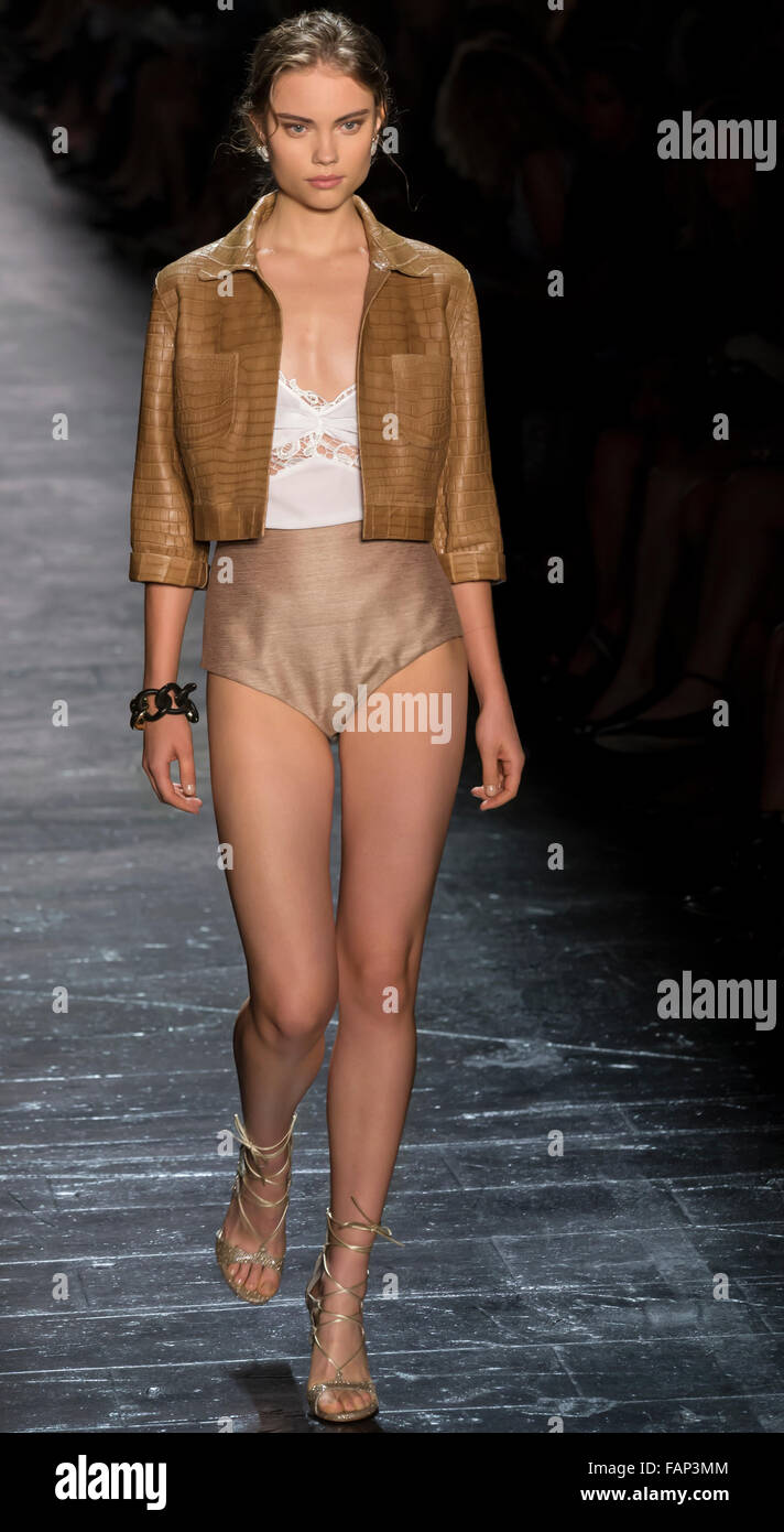 New York, NY - September 15, 2015: Alma Durand walks the runway at the Dennis Basso fashion show during NYFW S/S - Stock Image