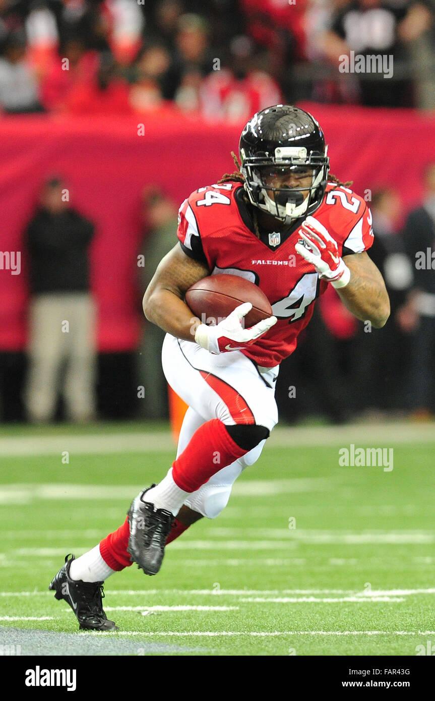 Atlanta Georgia. 3rd Jan, 2016. Atlanta Falcons RB Freeman, Devonta (#24) in action during NFL game between New Stock Photo