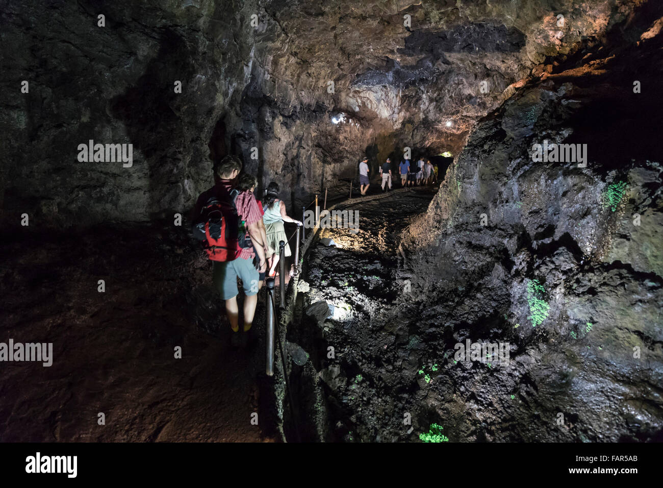 Madeira Grutas De Sao Vicente Group Of Visitors In The