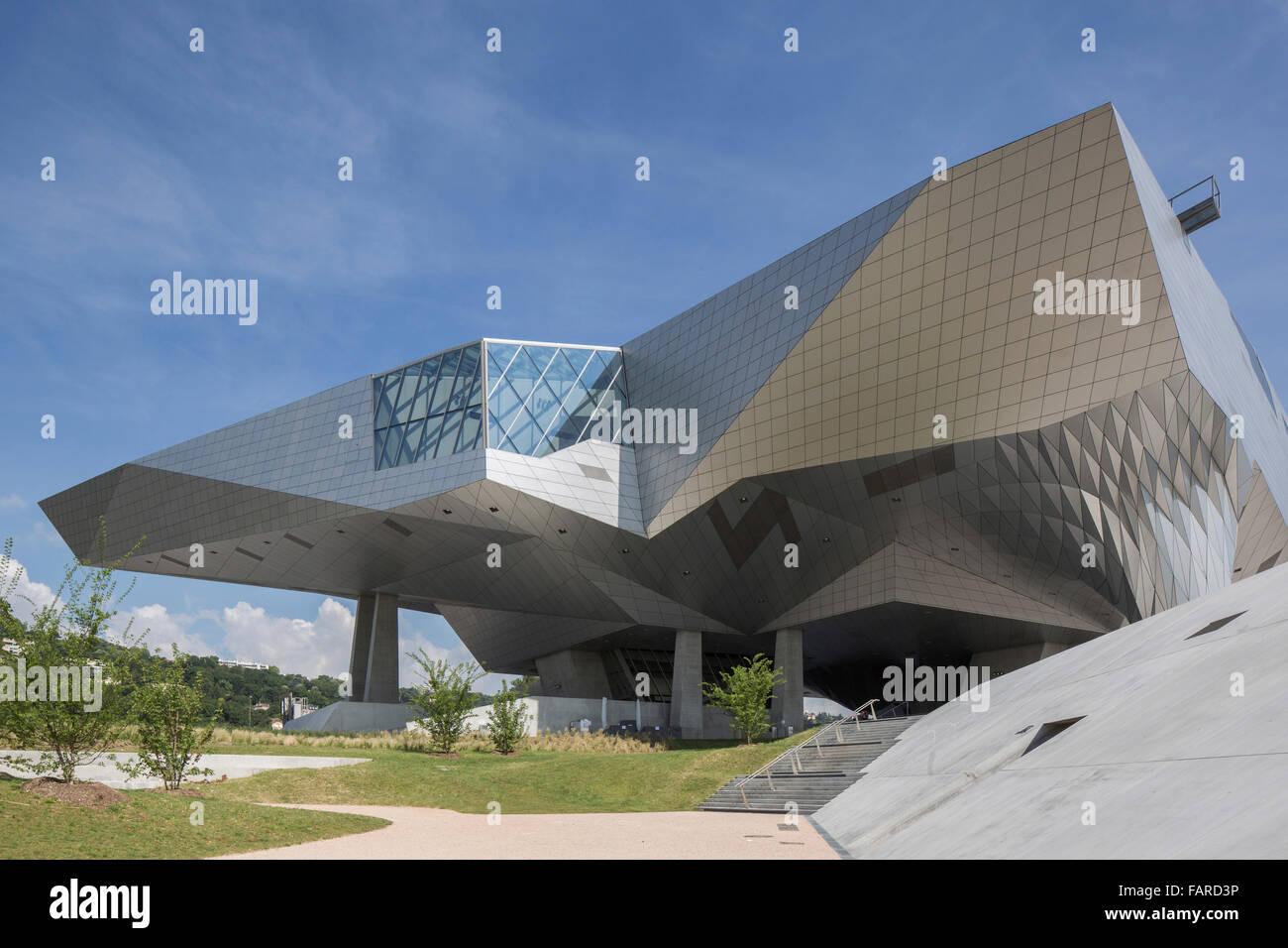 View from landscaped public realm towards building structure. Musée des Confluences, Lyon, France. Architect: - Stock Image
