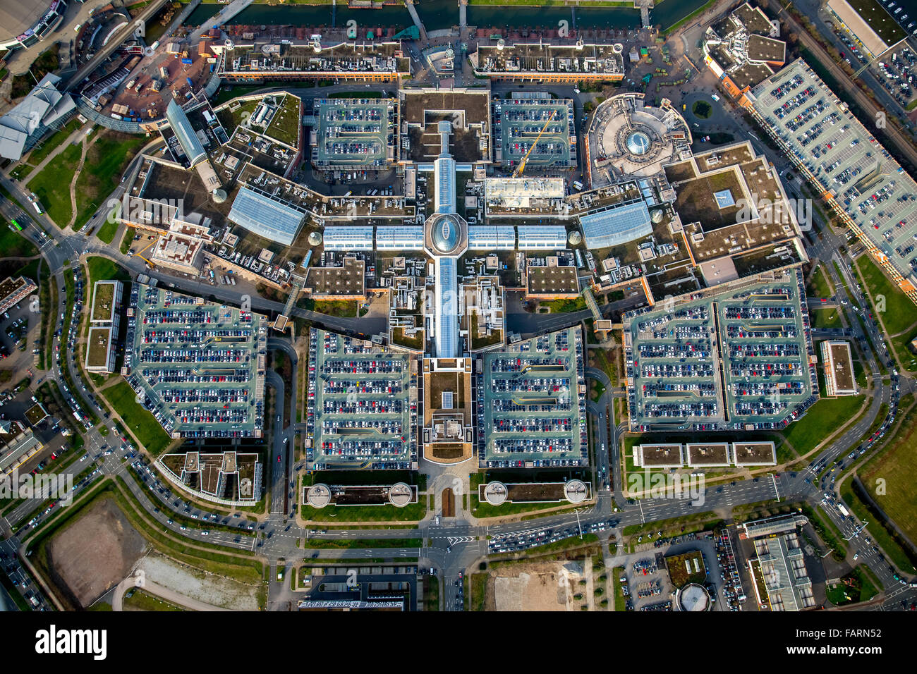 aerial view shopping mall centro oberhausen shopping mall largest stock photo 92719902 alamy. Black Bedroom Furniture Sets. Home Design Ideas