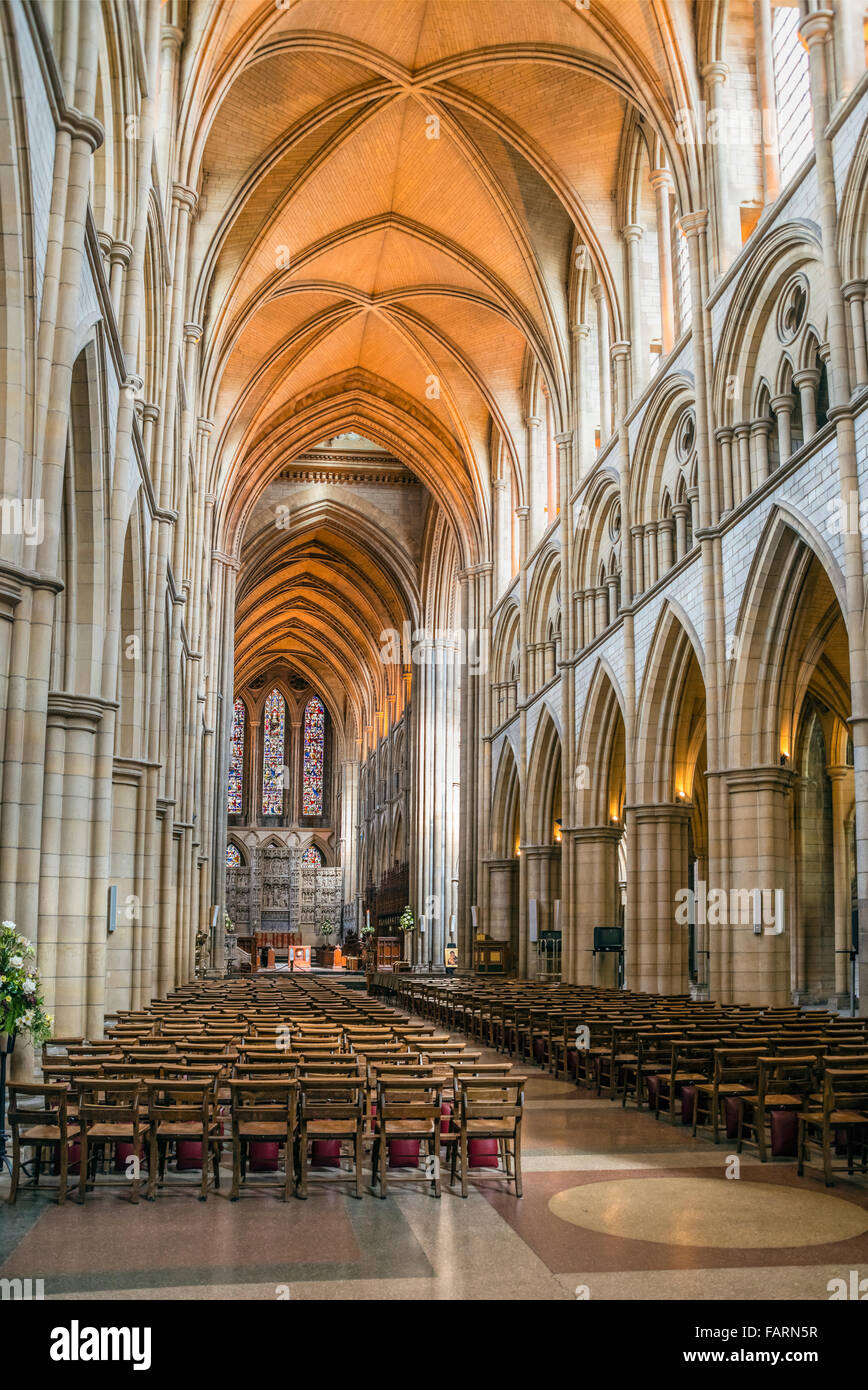Interior of Truro Cathedral, Cornwall, England, UK | Interior der Kathedrale von Truro, Cornwall, England, UK - Stock Image