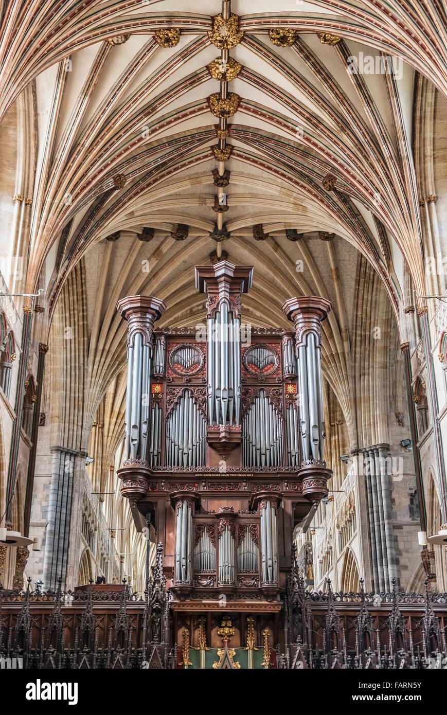 Interior of Exeter Cathedral, Devon, England, UK | Innenaufnahme des Kathedrale von Exeter, England, UK Stock Photo