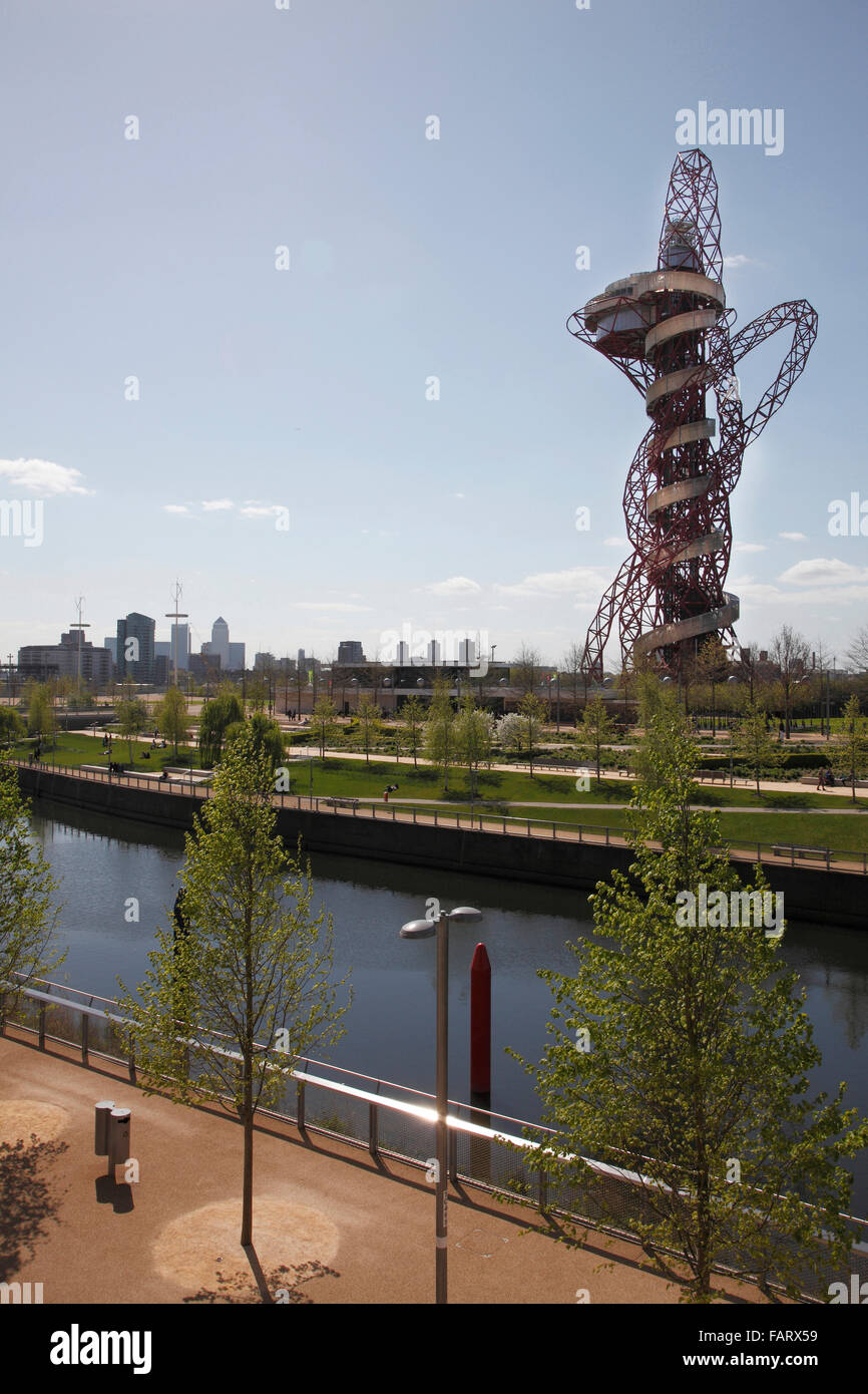 The Arcelor Mittal Orbit viewed from across the river Stock Photo