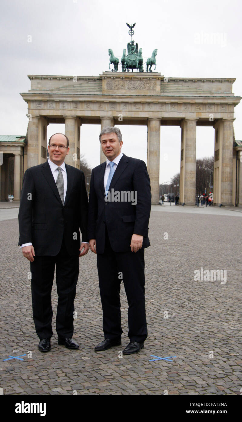 Fuerst Albert II. von Monaco, Klaus Wowereit - Brandenburger Tor, Pariser Platz, Berlin-Mitte. Stock Photo