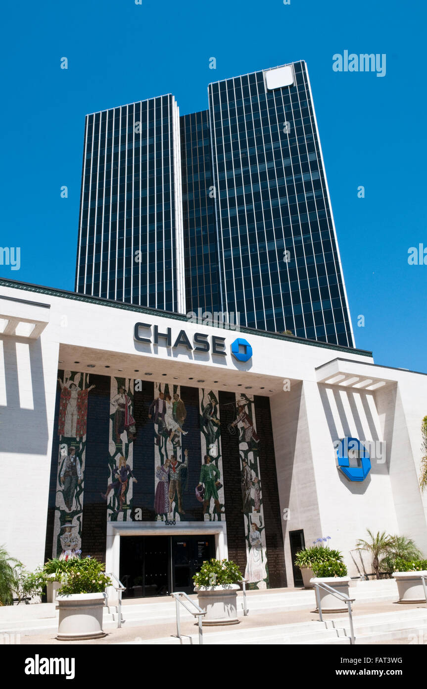 Chase Bank in Hollywood with the mosaic of Hollwood Stars by  Millard Sheets and the Sunset Media Center skyscraper - Stock Image