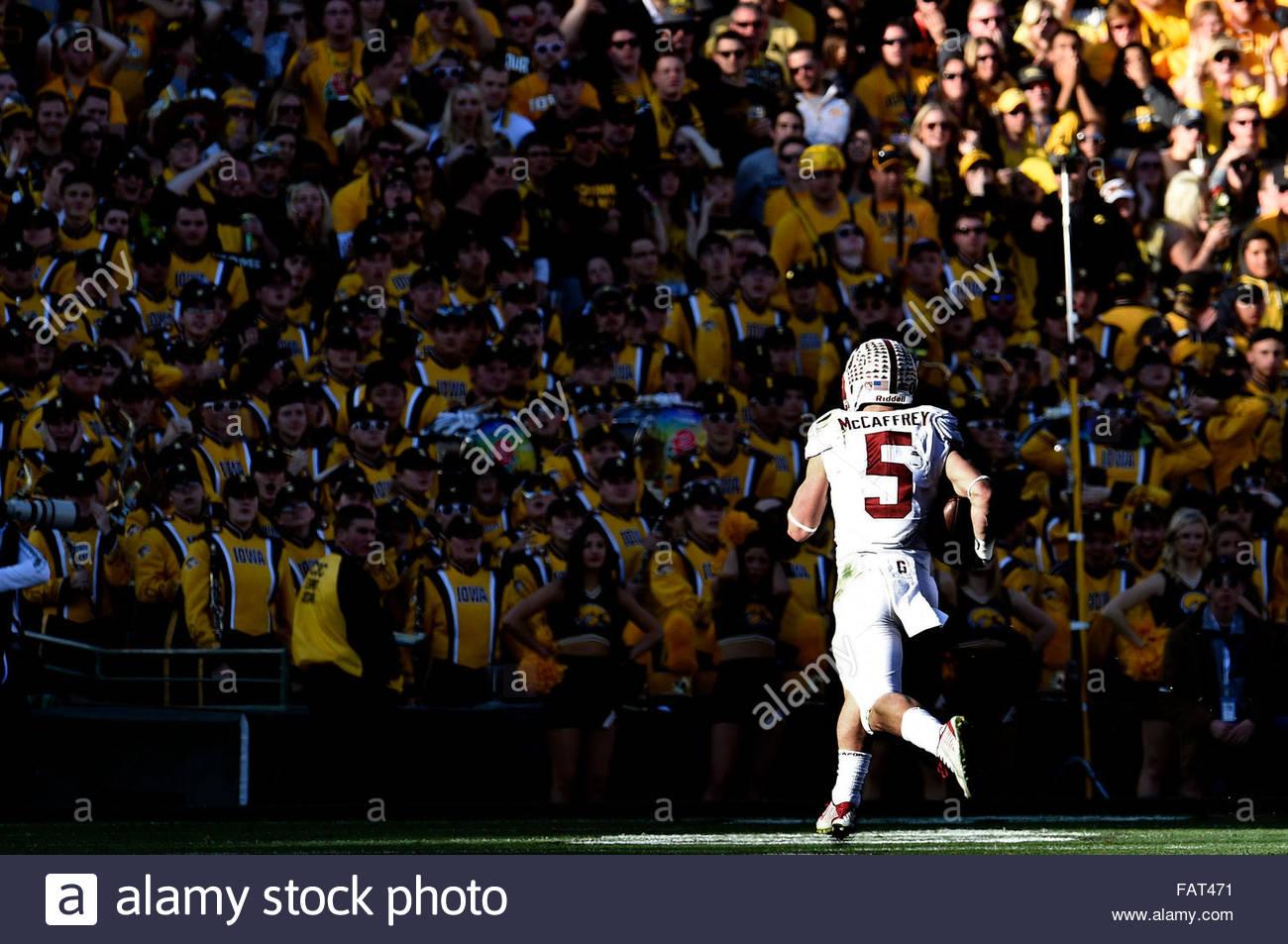 Pasadena, California, USA. 03rd Jan, 2016. Stanford running back Christian McCaffrey (5) runs for a touchdown against - Stock Image