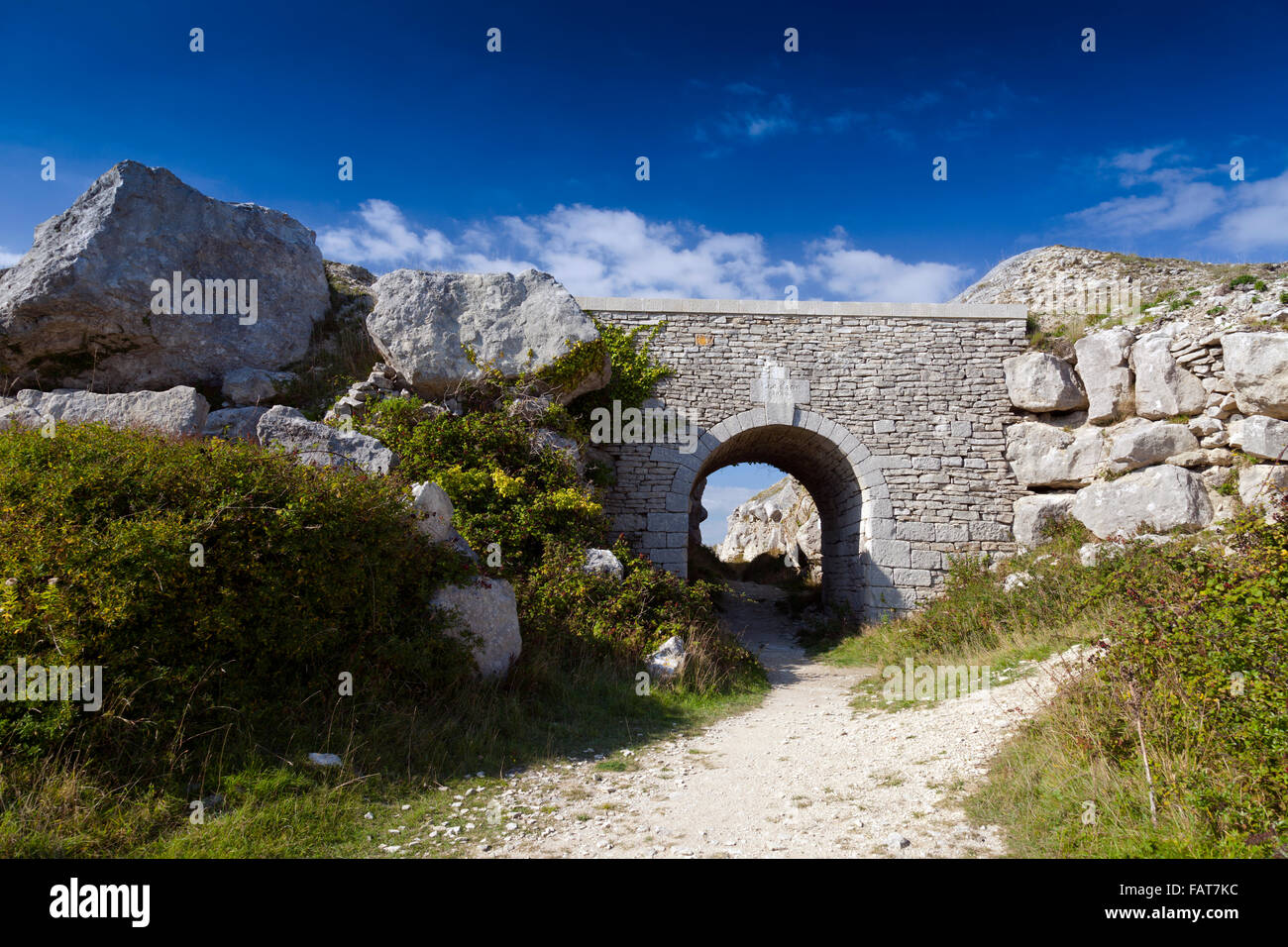 A Portland stone bridge by J.C.Lano in 1854 in Tout Quarry (now a Nature Reserve) on the Isle of Portland, Dorset, - Stock Image