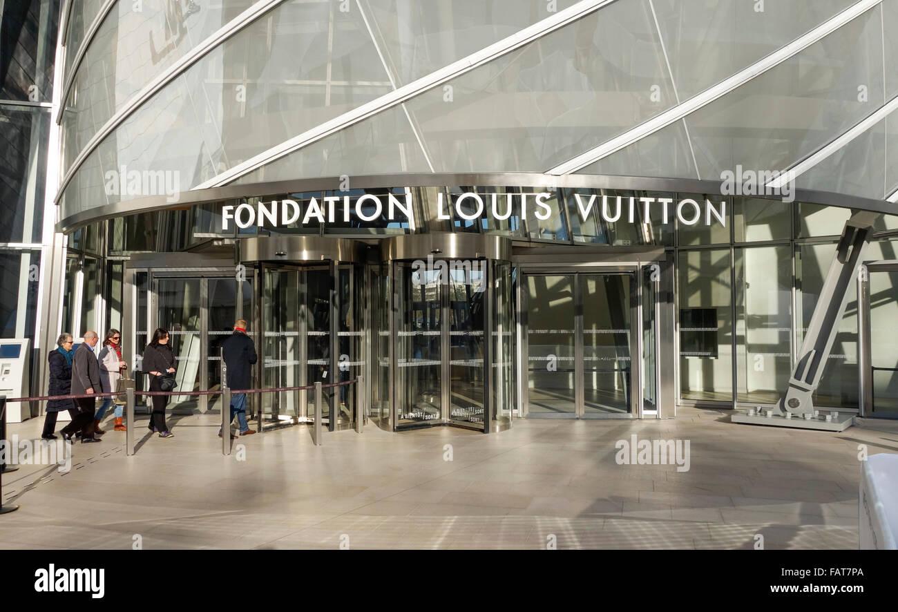 Entrance of Louis Vuitton Foundation, Fondation Louis Vuitton, Bois de  Boulogne, Paris, France. d56ebbfc872