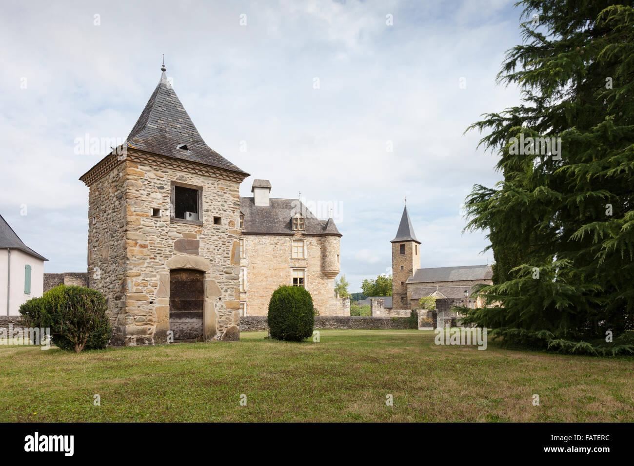 Église Saint Jean-Baptiste in the village of Aren - Pyrénées-Atlantiques, Aquitaine, France. - Stock Image