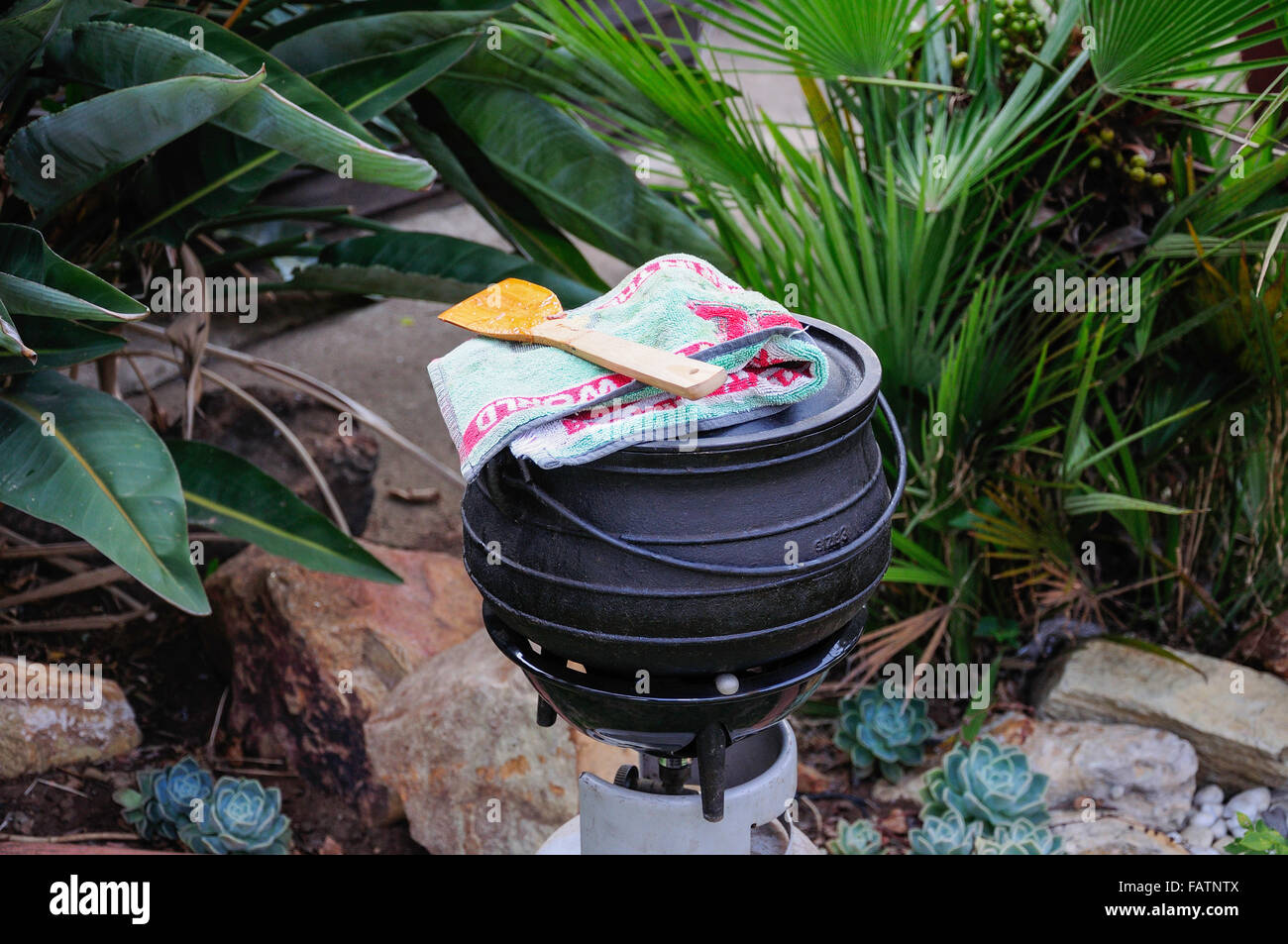 Traditional potjie cooking pot, Springs, Johannesburg, Gauteng Province, Republic of South Africa - Stock Image