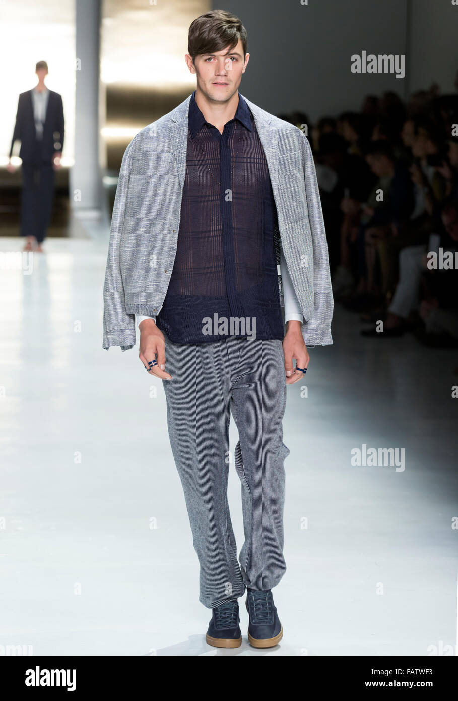NEW YORK, NY - JULY 16, 2015: Robert Mull walks the runway during the Perry Ellis show at New York Fashion Week - Stock Image
