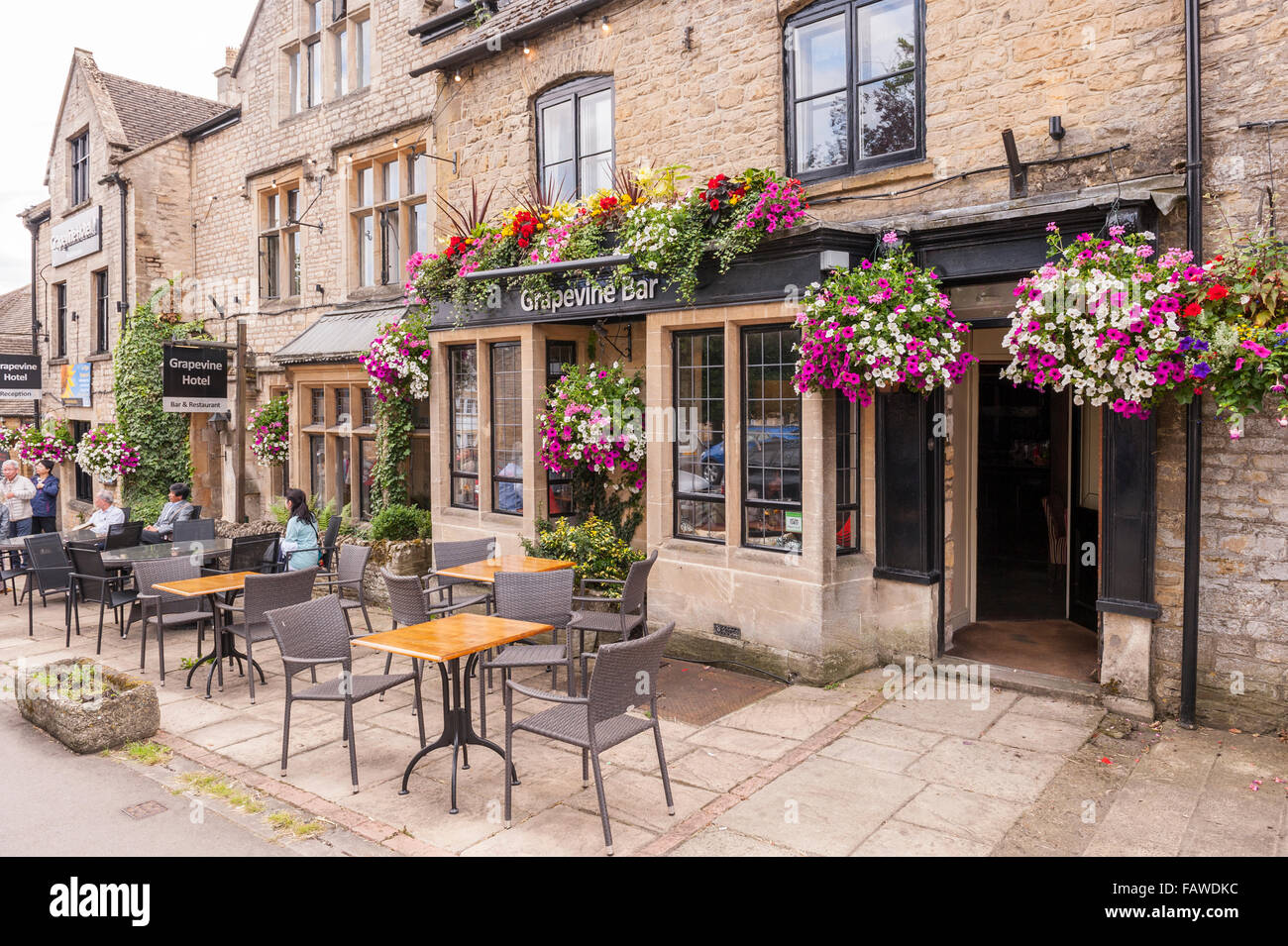 The Grapevine Bar at Stow-on-the-Wold , Cheltenham , Gloucestershire , England , Britain , Uk Stock Photo