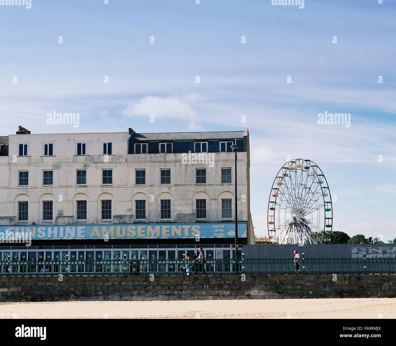 Amusements in Margate Kent, with the Dreamland Ferris whel. - Stock Image