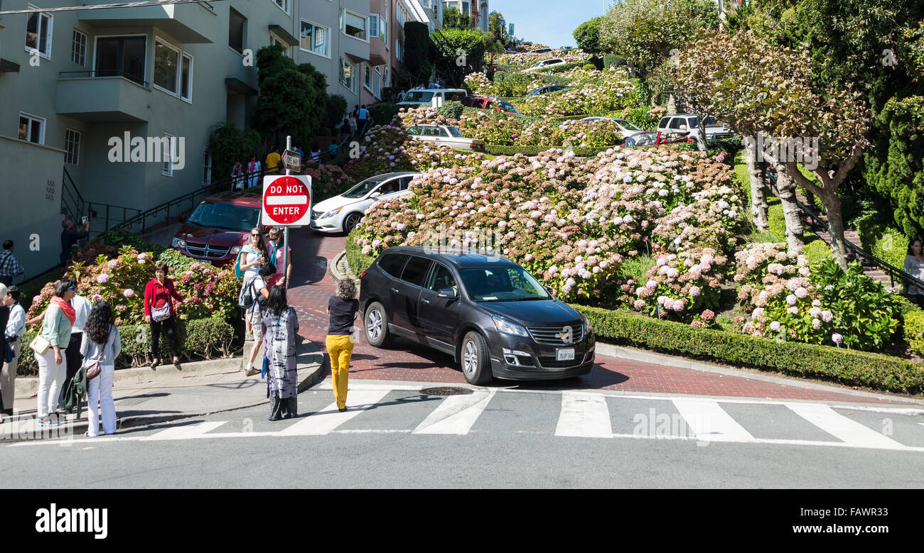 Cars and tourists on Lombard Street, San Francisco, California, USA - Stock Image