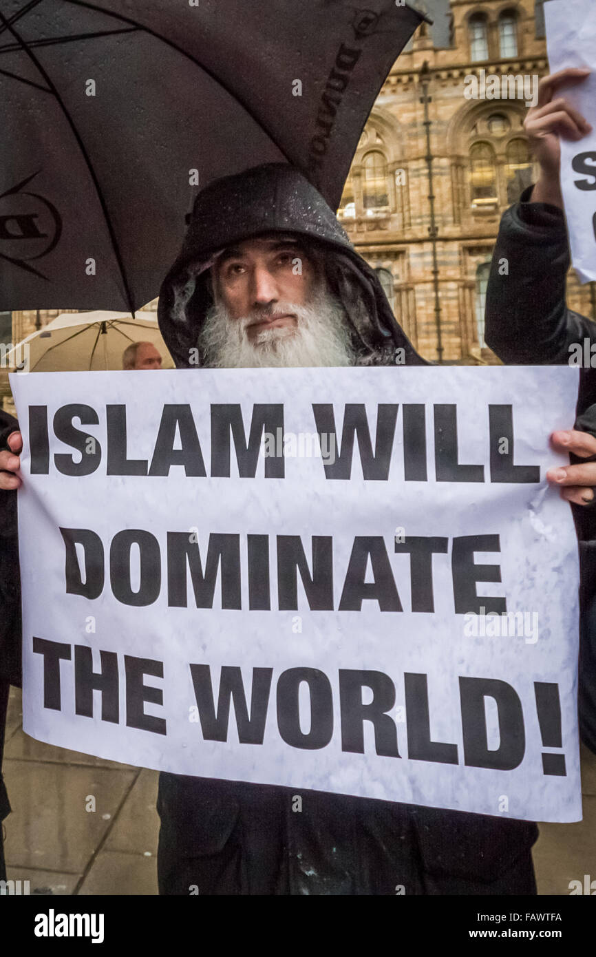 FILE IMAGES: London, UK. 5th January, 2016. File Images from 14-02-2014: British-based Islamist Shah Jahan Kahn - Stock Image